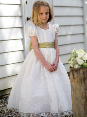 Chloe lace flower girl dress in ivory UK Nicki Macfarlane